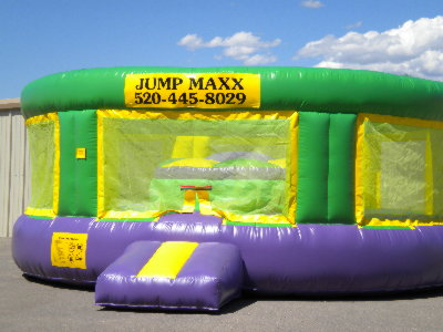 Gladiator Joust – Battle in Style With Jumpmaxx's Inflatable Gladiator Jousting Arena